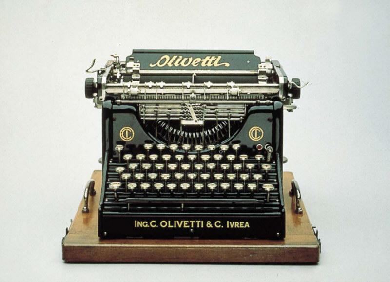 Máquina de escribir Olivetti M1, la primera máquina de escribir italiana