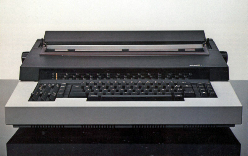Máquina de escribir Olivetti ET 101